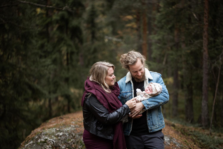 Vauvakvuaus metsässä, Helsinki, Siru Danielsson Photography